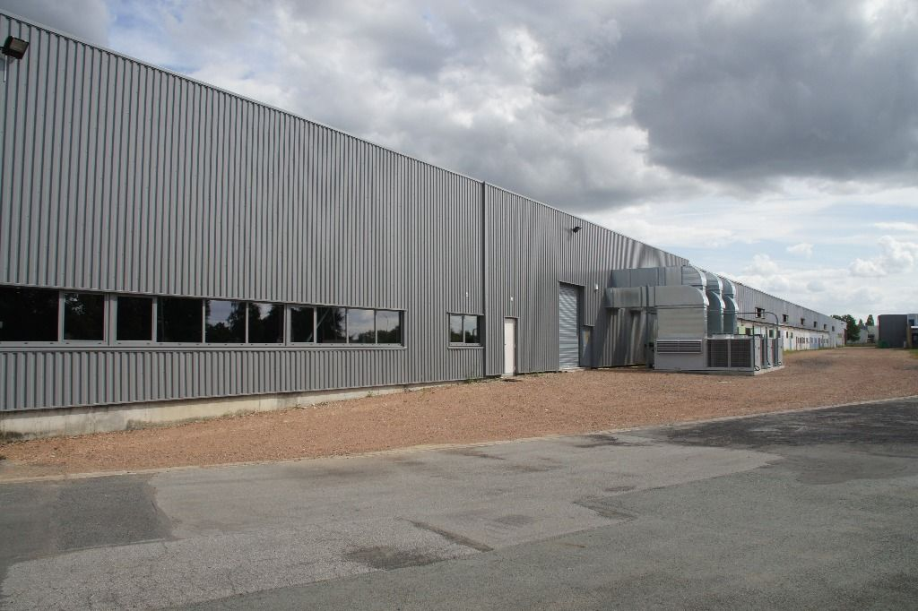 A louer entrep t local industriel chatellerault 8700 for Code postal chatellerault