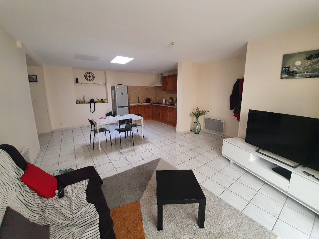 Appartement  T4  de 86 m2 + patio couvert